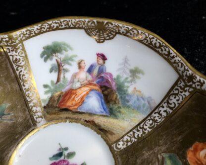 Meissen saucer with gilt ground, Watteauesque panels, 19th century-11543