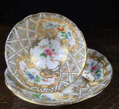 Quality Minton cup & saucer, flowers pattern 3102, c. 1835-12213
