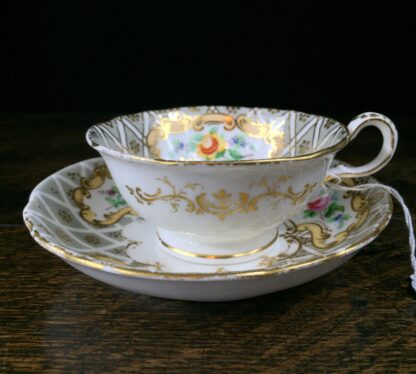 Quality Minton cup & saucer, flowers pattern 3102, c. 1835-12214