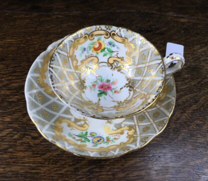 Quality Minton cup & saucer, flowers pattern 3102, c. 1835-12215