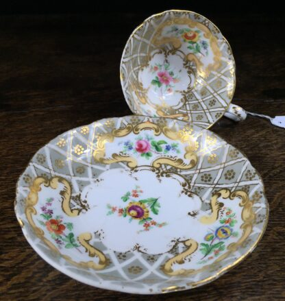 Quality Minton cup & saucer, flowers pattern 3102, c. 1835-12219