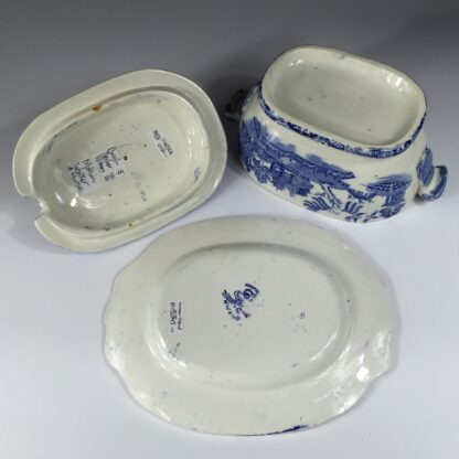 Willow Pattern small tureen & stand, MWH - British Anchor Pottery, c. 1860-13014
