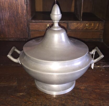 Lidded pewter tureen with two handles and acorn knob, 19th C-0