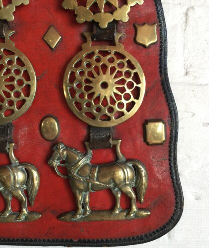 Large Victorian horse brass, 7 on red ground, 19th century-14235