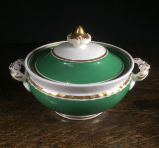 Chamberlains Worcester sugar bowl in green with gold detail. Marked 1816-40-0