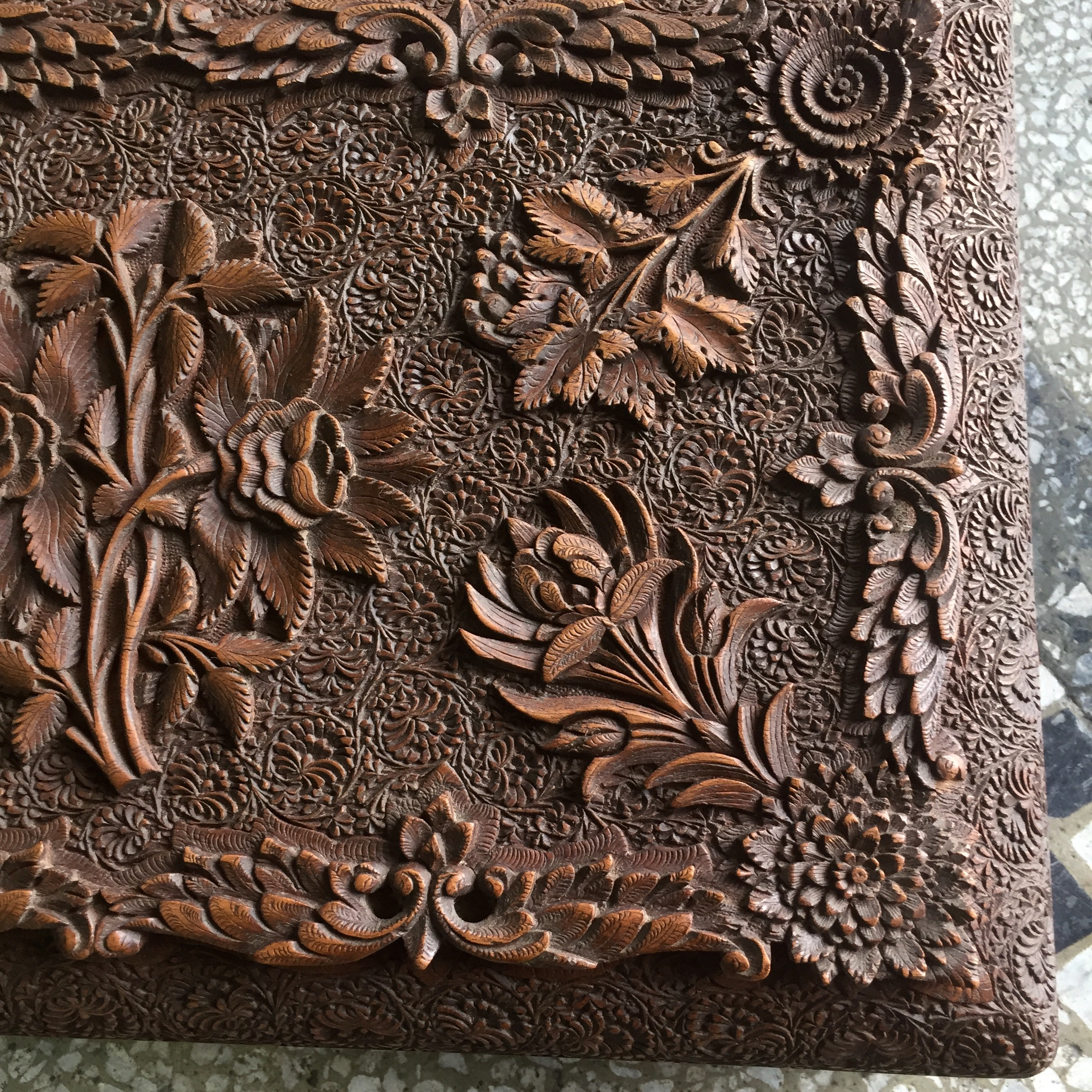 Large indian box carved with flowers early 20th century