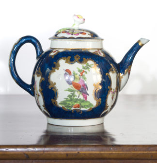 Worcester Scale Blue teapot, rococo panels of exotic birds, c. 1770-0