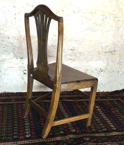 Country Hepplewhite oak chair, c.1800-15318