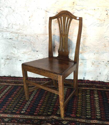 Country Hepplewhite oak chair, c.1800-15323