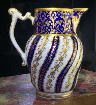 Flight Worcester jug, spiral fluted, rich blue & gilt, c. 1785-0