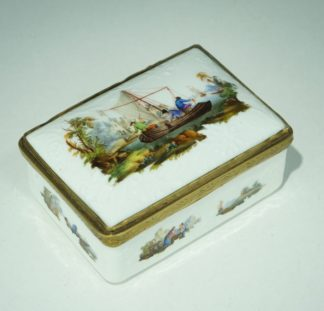 Meissen snuff box with fishing scenes, flower moulded, interior with lion & children, c.1755-0