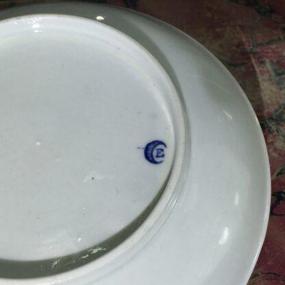 Worcester teabowl & saucer, 'Three Flowers' pattern, rare 'E' mark, c. 1775-15661