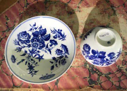 Worcester teabowl & saucer, 'Three Flowers' pattern, rare 'E' mark, c. 1775-15664