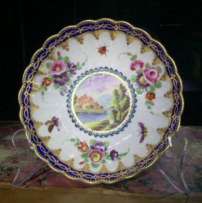 Worcester trio, 'Dalhousie' pattern with flowers. c1785-15690