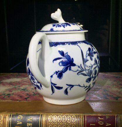 Worcester teapot, underglaze blue 'Mansfield' pattern, c. 1765 -15694