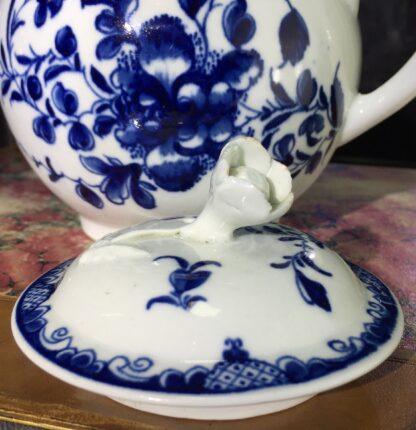 Worcester teapot, underglaze blue 'Mansfield' pattern, c. 1765 -15701