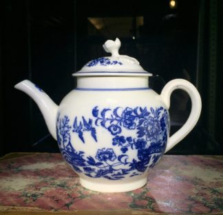 Caughley teapot, printed in blue with the 'Fence' pattern, c. 1785-0