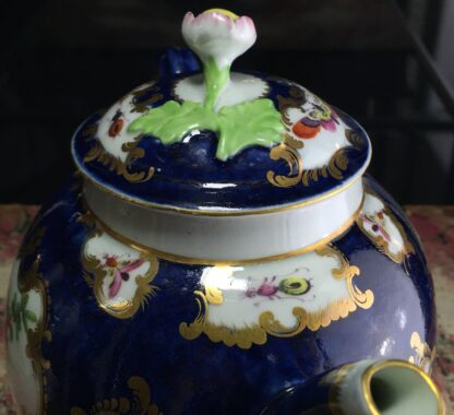 Worcester Scale Blue teapot, rococo panels of exotic birds, c. 1770-15796