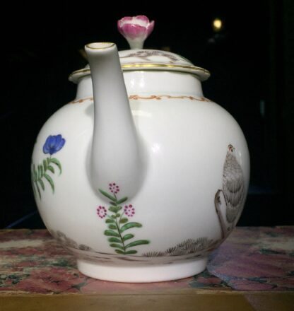 Worcester teapot with 'Pencilled Quail' pattern, c. 1778-15902