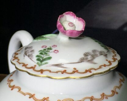 Worcester teapot with 'Pencilled Quail' pattern, c. 1778-15911