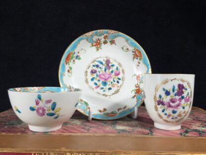 Worcester trio in 'Compagnie des Indes' pattern with 'Rich Japan' border, c. 1780-2-16149