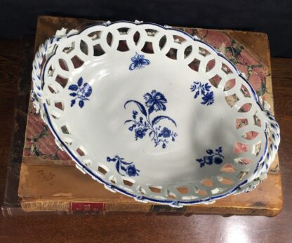 Worcester basket with 'Gillyflower' pattern, c. 1765-0