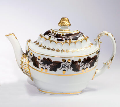 Barr Worcester teapot, acorns & oakleaves, c. 1800-0