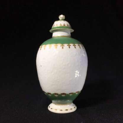 Worcester tea canister, fine moulding with green bands, c. 1775-25626
