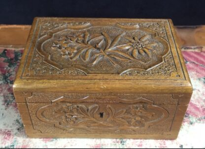 Swiss wooden jewellery box carved with edelweiss, c. 1900-0