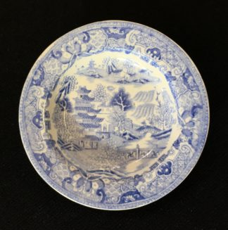 Staffordshire pottery child's plate, willow pattern, c.1830 -0