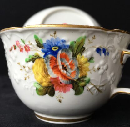 Spode cup & saucer, pattern 2527- flowers, c. 1825-17941