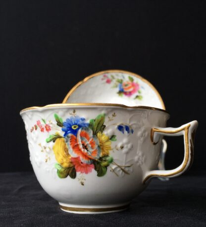 Spode cup & saucer, pattern 2527- flowers, c. 1825-17944