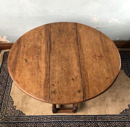 Oak gateleg table, single drawer, early 18th century. -24832