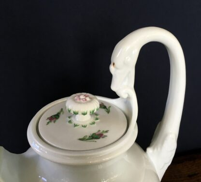 Meissen coffee pot with rose pattern, 19th century -18753