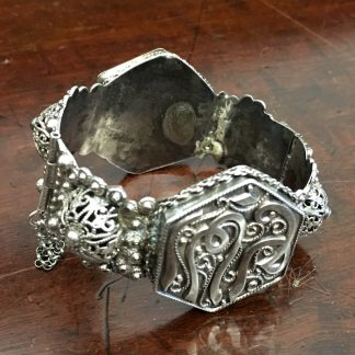 Damascus silver bracelet with fine fret work and Islamic inscriptions, 19th C. -0