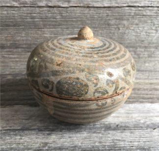 Thai stoneware box, Sukhothai, 14th-16th century-0
