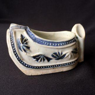 Chinese 'Slipper' scholar's desk pot, 19th century-0