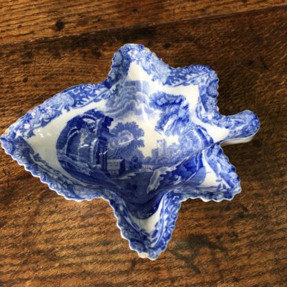 Spode pottery Italian Scene leaf form pickle dish. c.1880.-0