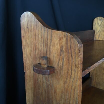 Arts & Crafts oak shelves, peg joining, c.1900 -24087