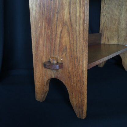 Arts & Crafts oak shelves, peg joining, c.1900 -24090