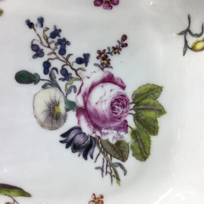 Meissen octagonal dish, deutschblumen flower groups, c. 1740-25550