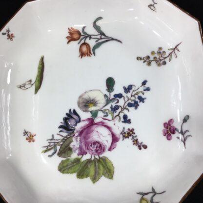Meissen octagonal dish, deutschblumen flower groups, c. 1740-25547