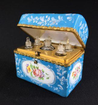 English blue enamel scent bottle casket, 5 bottles, circa 1785 -0