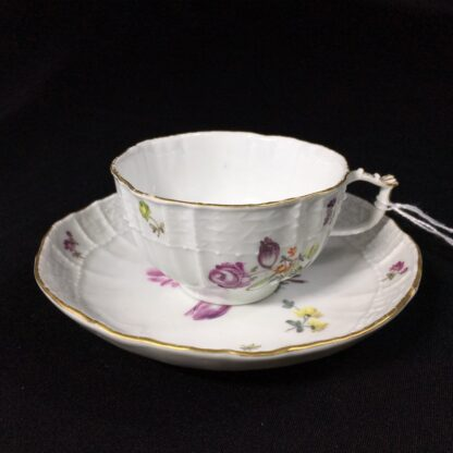 Meissen cup & saucer, old Brandenstein moulding with flowers, c. 1760 -27333