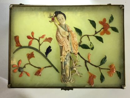 Chinese jade box with ivory, red coral, lapis & tortoiseshell figure of a lady, Qing dynasty, 19th century-26413