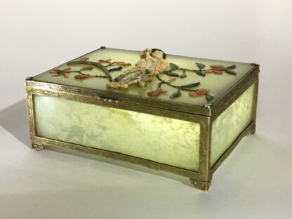Chinese jade box with ivory, red coral, lapis & tortoiseshell figure of a lady, Qing dynasty, 19th century-0