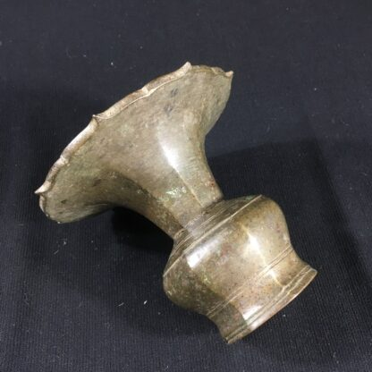 Indian bronze spittoon, 16th-17th century -26673