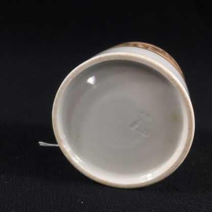 Flight Barr & Barr coffee can, gilt & peach, c. 1820-26528