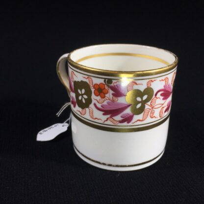Spode coffee can, pattern #889, gilt & red flower frieze, c. 1820-26510
