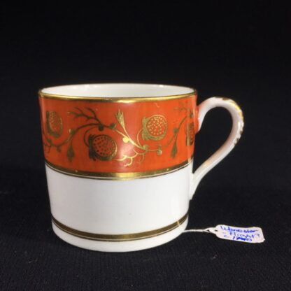 Worcester coffee can, orange & gilt strawberry pattern, c. 1800-0